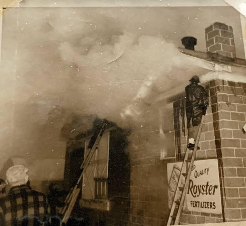 Cunard's Warehouse Fire - Jan 27, 1966, photo 10