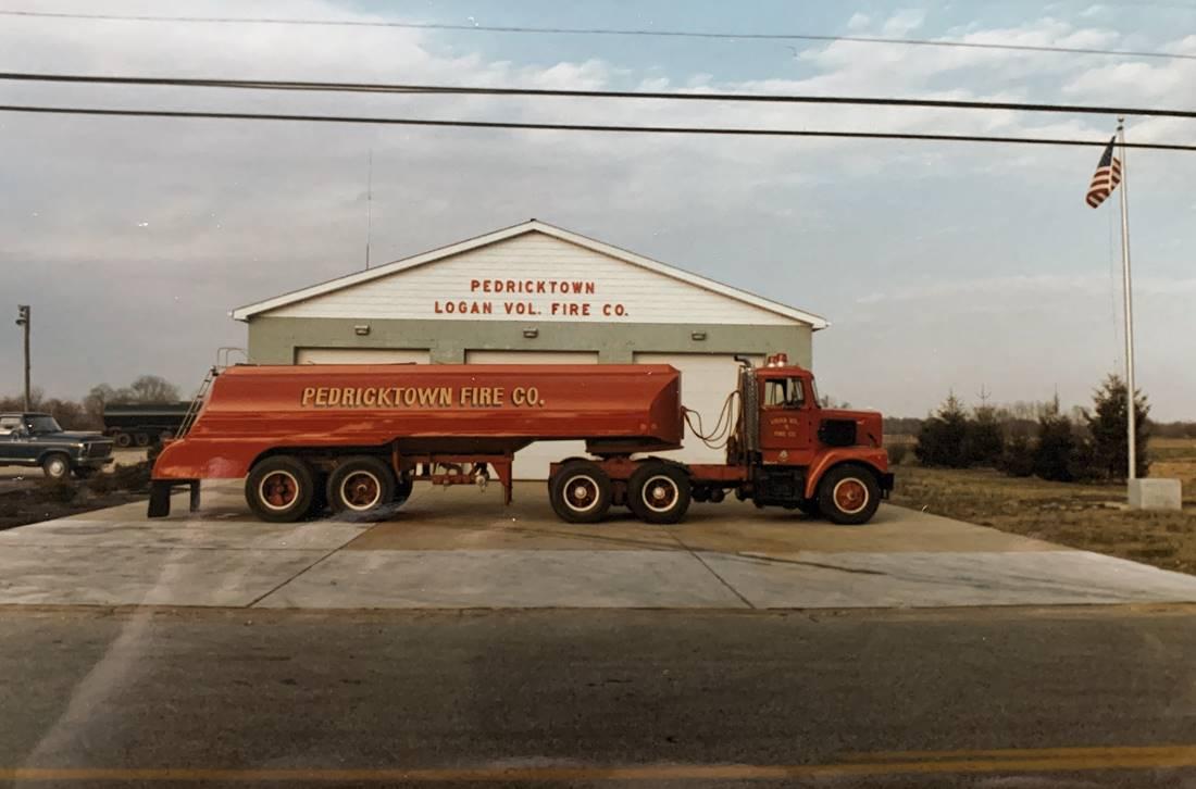 1969 Brockway 5000 Gallon Trailer